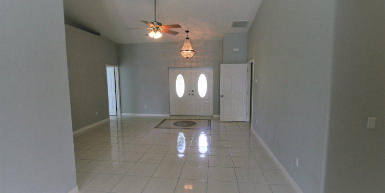902 SE 26TH ST CAPE CORAL, FL 33904