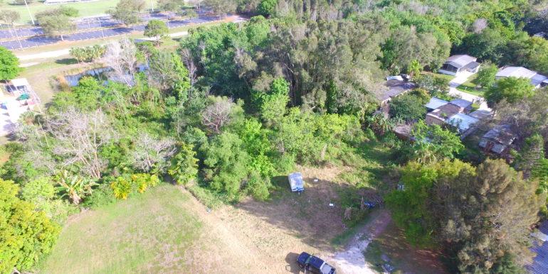 221 SACRAMENTO ST NORTH FORT MYERS, FL 33903