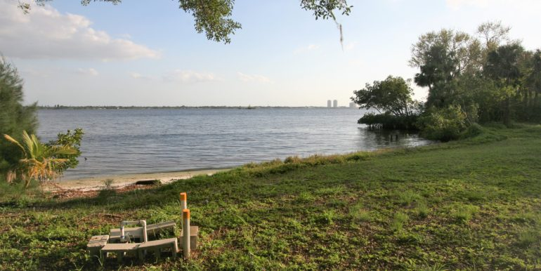 North Fort Myers riverfront home for rent