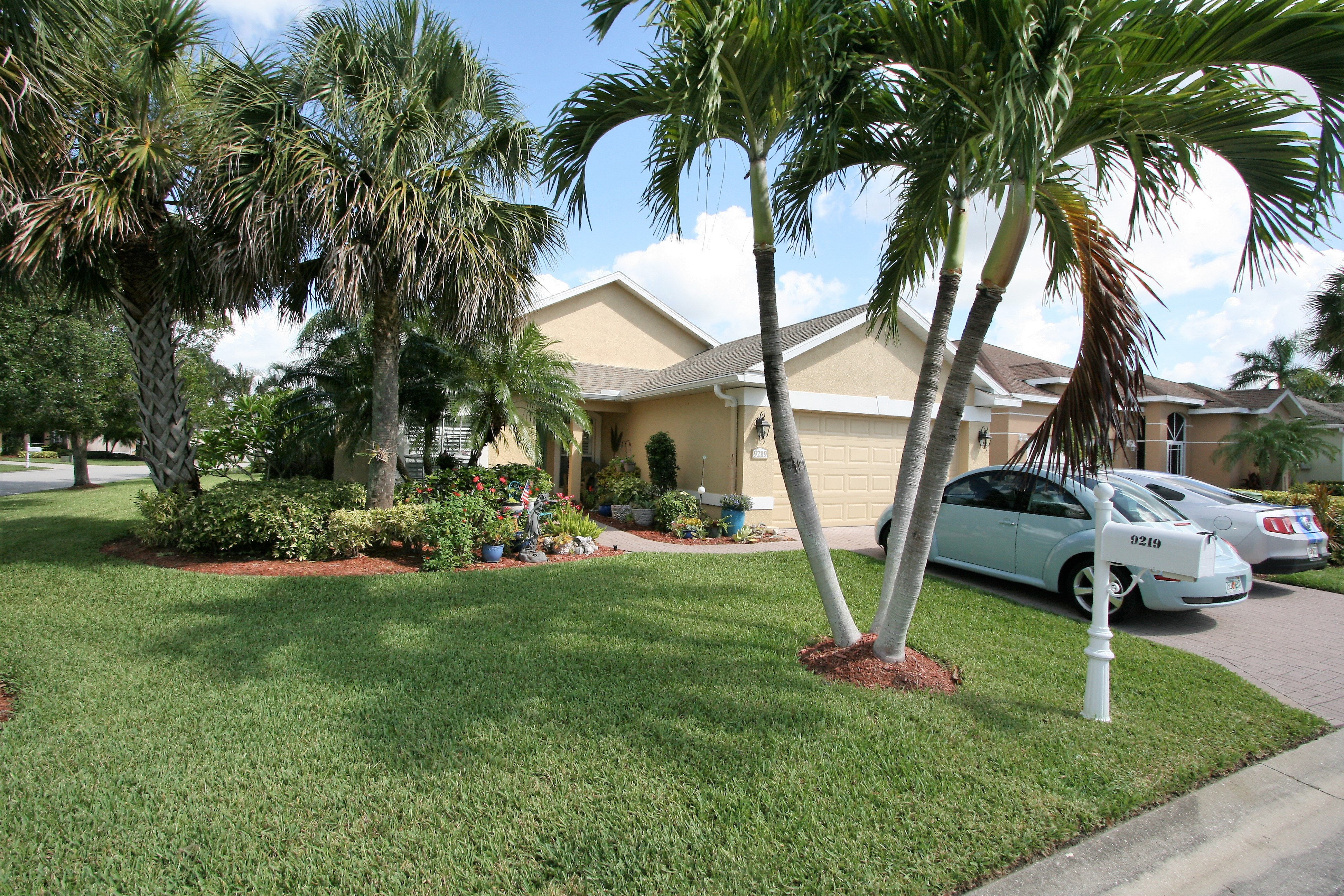 9219 PALM ISLAND CIR NORTH FORT MYERS FL 33903